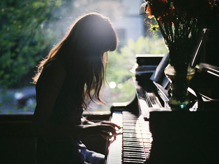 niña pianista boda