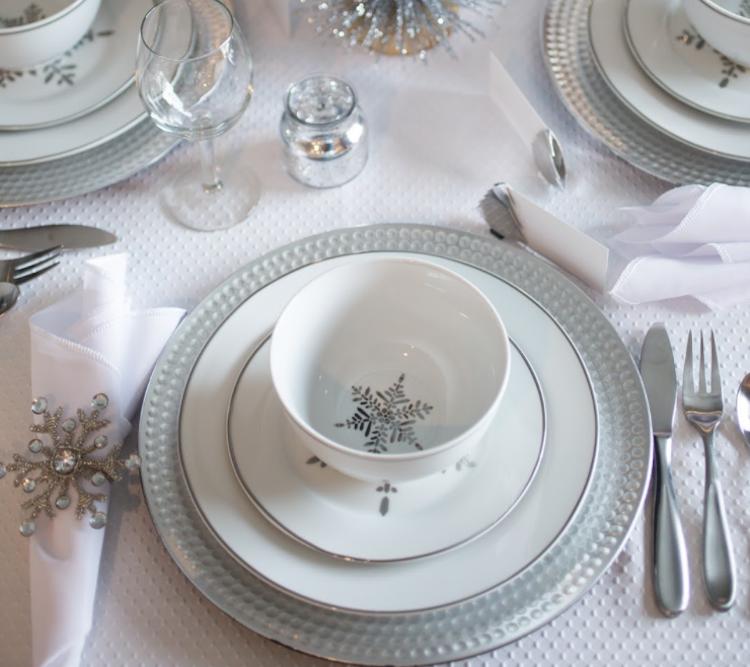 mesa plata blanca