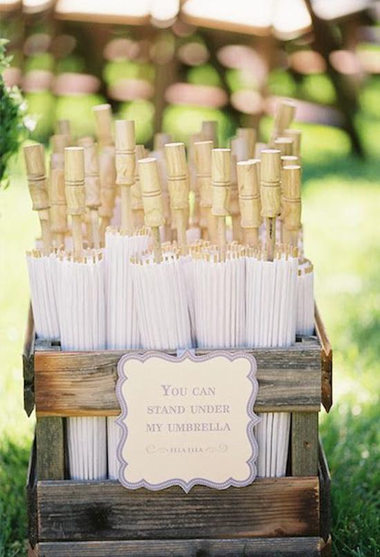 sombrilla invitadas boda de día