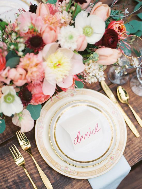 mesa color bodas en primavera
