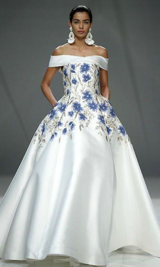 Vestidos de novia con toques azules