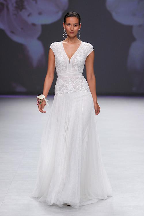 vestido novia cuello v