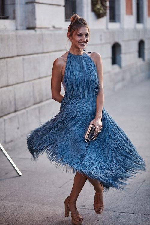 vestido flecos azul