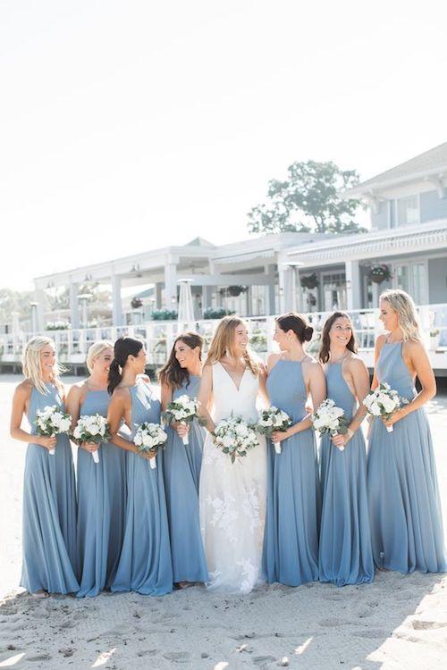 damas de honor en azul claro