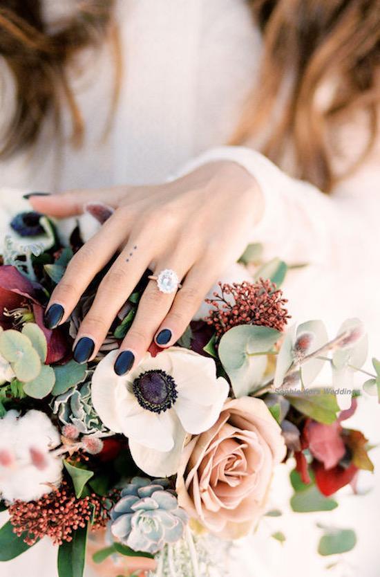 anillo y ramo novia invierno pedida mano regalo